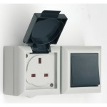 IP54 socket with 1 gang 2 way switch (Boxed)
